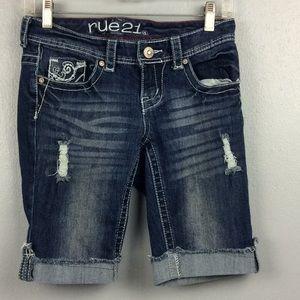 Rue 21 Curvy Ladies Distressed Long Shorts Sz 3/4